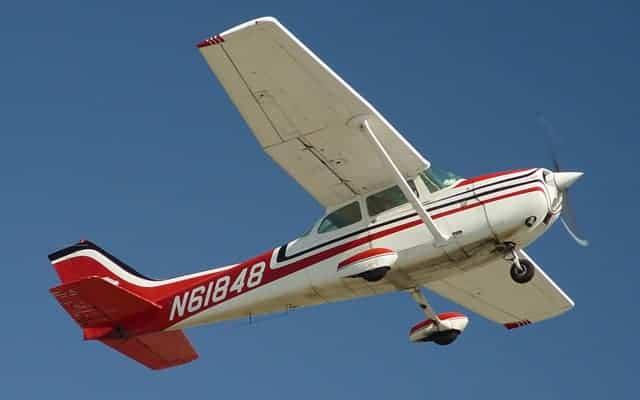 Cessna 172 Skyhawk belly view