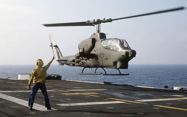 Bell AH-1Z Viper taking off