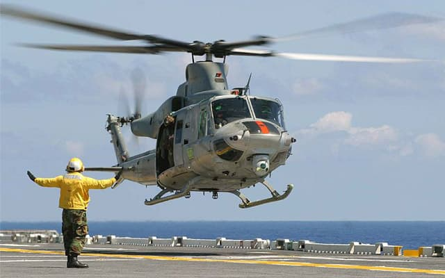 Bell UH-1Y Venom landing