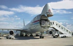Boeing 747 400F loading