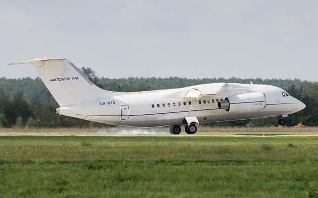 Antonov An-148 Landing 2