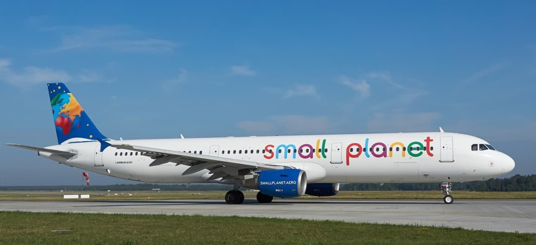 Airbus A321 - Small Planet