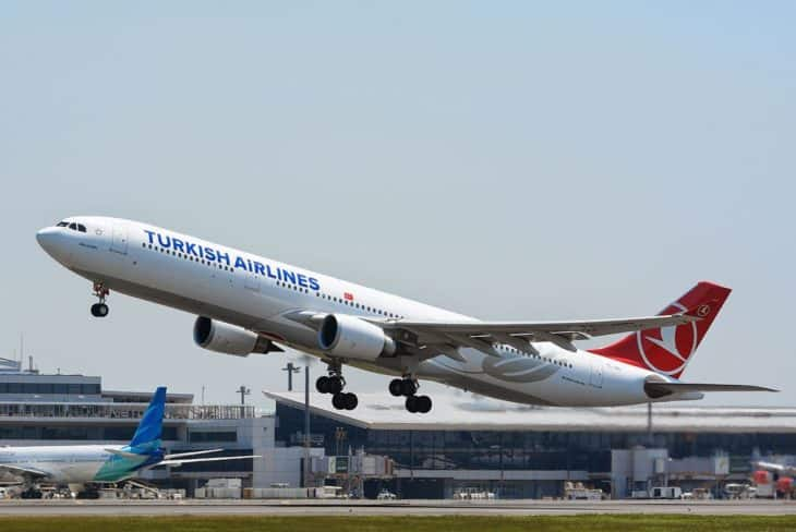 Airbus A330-300 - Turkish Airlines - Takeoff