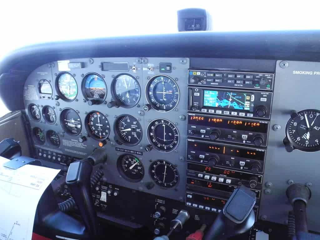 Cessna 172 Skyhawk - Price, Specs, Cost, Photos, Interior