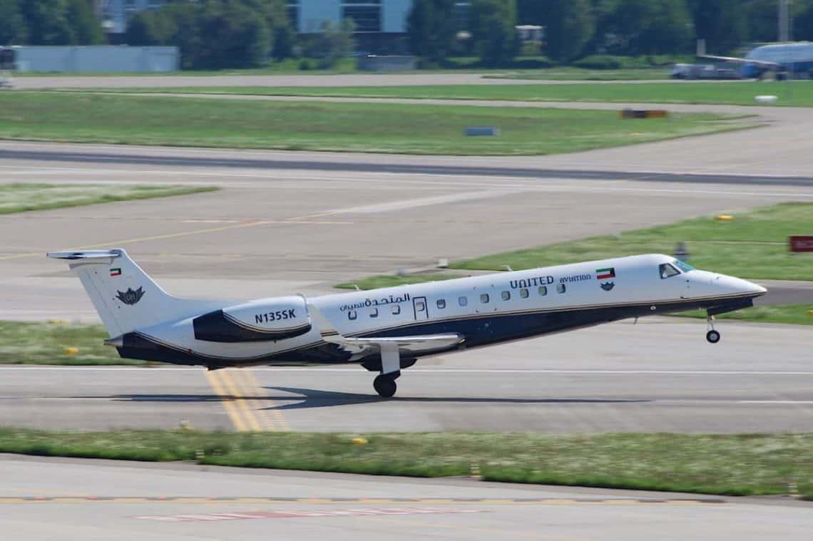 Embraer ERJ 135 United Aviation