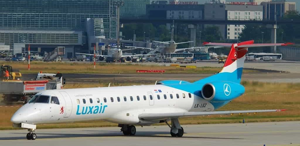Embraer ERJ-145 Luxair - taxi