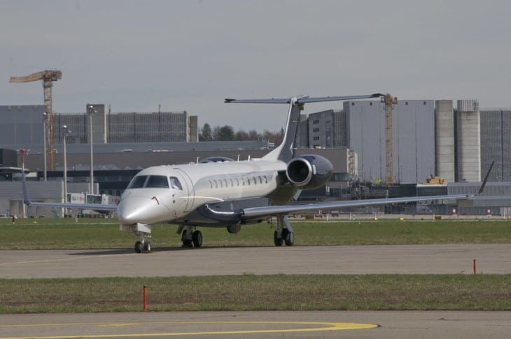ABS Jets Embraer Legacy 650 taxi
