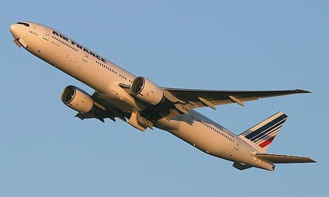 Boeing 777-300ER air france take off 2