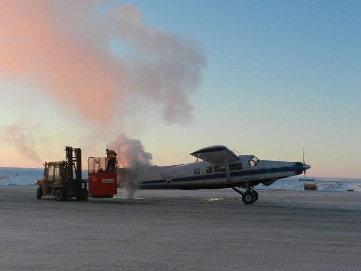 De-icing a De Havilland DHC-3