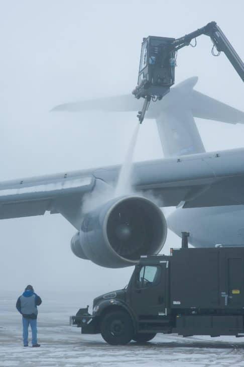 aircraft de icing dover airbase