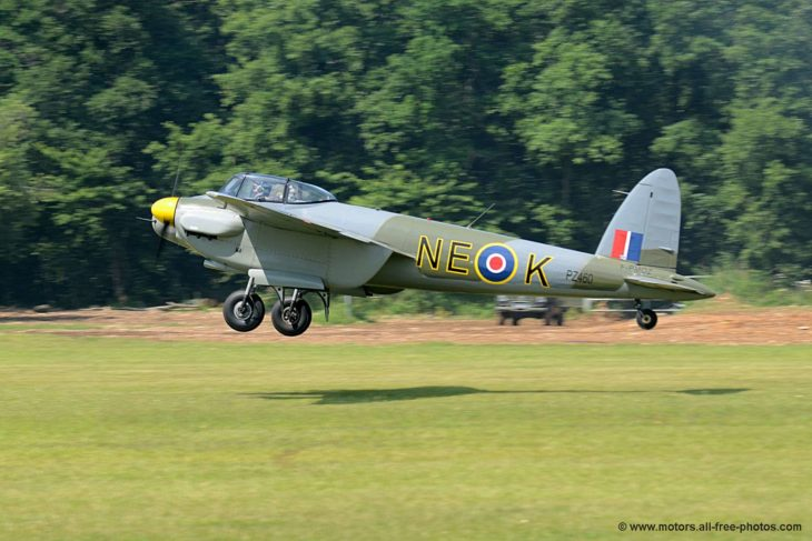 de Havilland DH.98 Mosquito replica 2