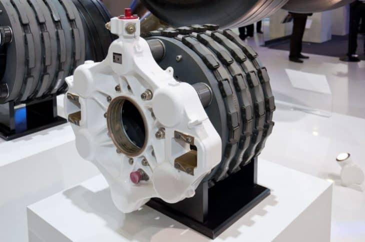 Boeing 737 Carbon Disc Brakes