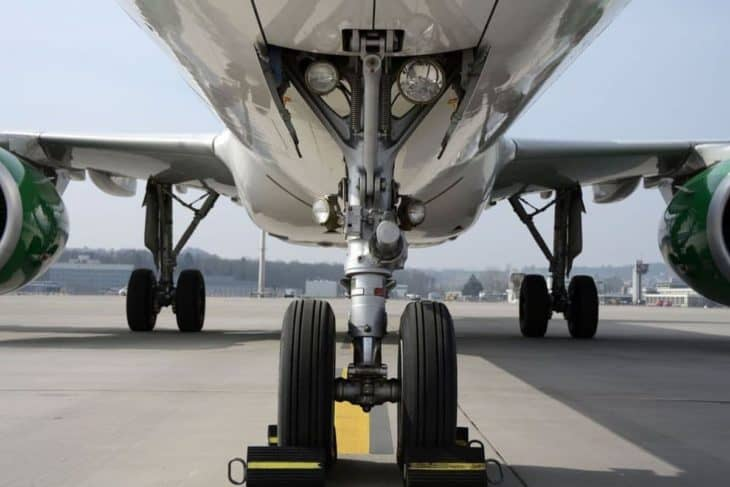 Do Airplanes Have Brakes