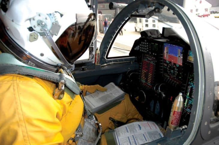 Double kneeboards in cockpit