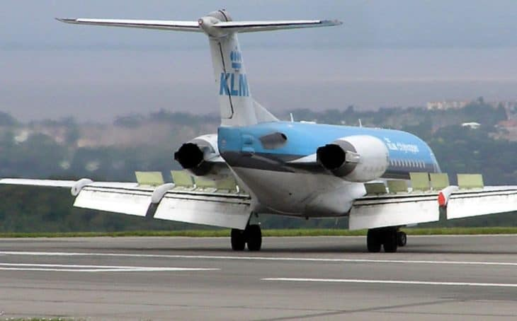 Fokker 70 with Airbrakes deployed