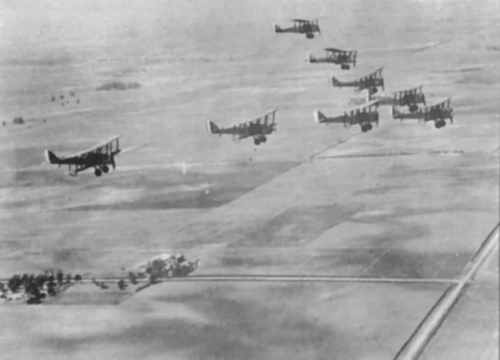 Formation of Airco DH-4 in flight