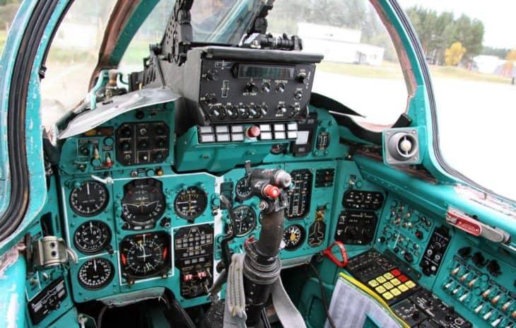 Mikoyan MIG-31 Foxhound Cockpit