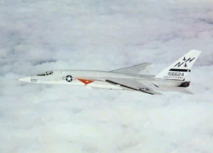 U.S. Navy North American RA-5C Vigilante (BuNo 156624) of heavy reconnaissance squadron RVAH-6 Fleurs in 1970 -71