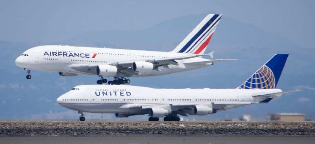 Air France Airbus A380 and United Boeing 747 at SFO