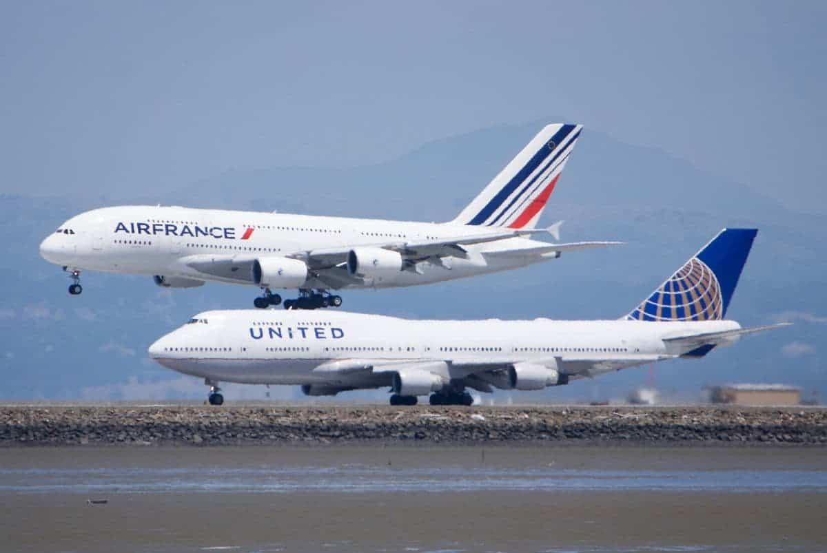 Boeing vs Airbus – Which is Better & Who is Winning?!