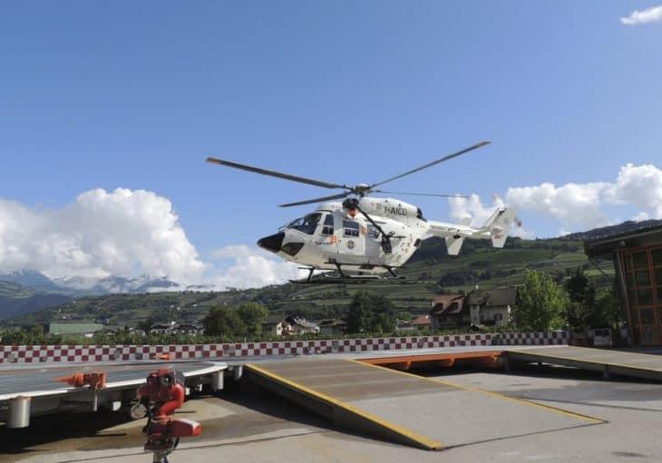 Heli landing at helipad