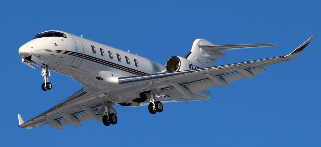 Bombardier Challenger 350 at KCLE