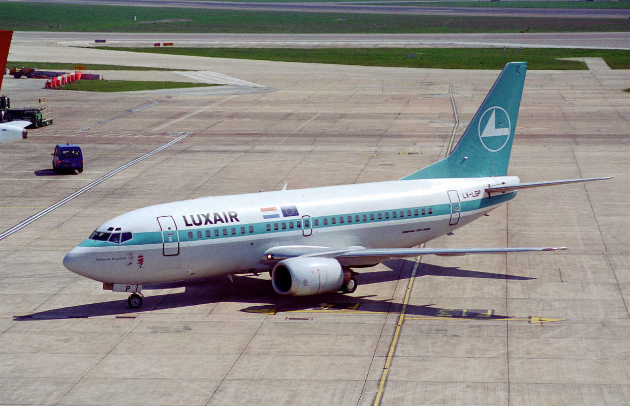 Boeing 737 500 Price Specs Photo Gallery History Aircraft Compare