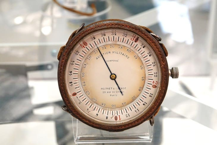 Old french aircraft altimeter