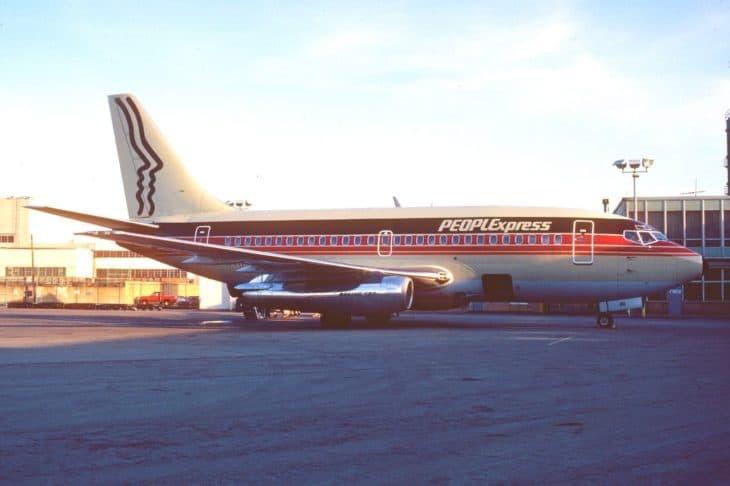 People Express Boeing 737 100