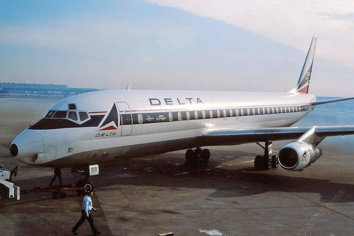 Delta Douglas DC 8 51 in 1977