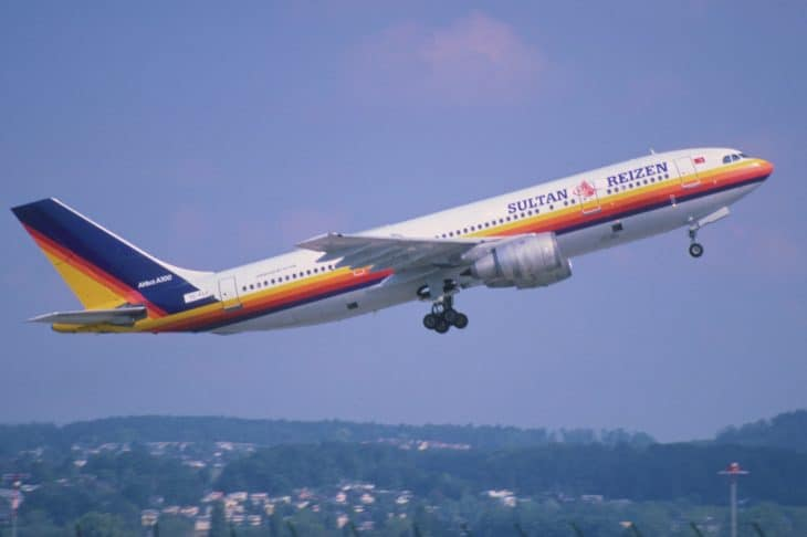 Fly Air Airbus A300B4 2C