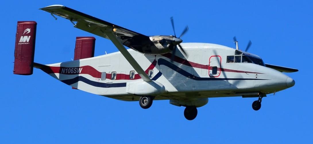 N106SW MN Aviation Short 330 200