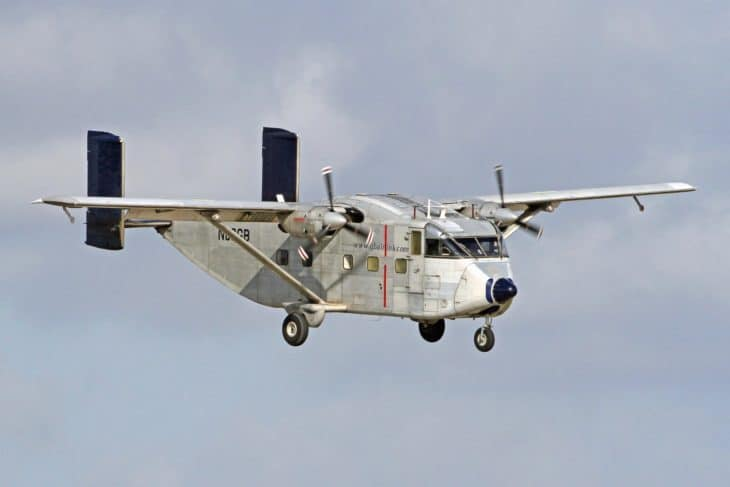 Short SC.7 Skyvan GB Airlink approach