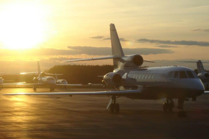 Business jets at an FBO