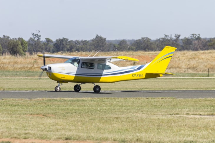 Cessna 210 Centurion VH KWS taxiing