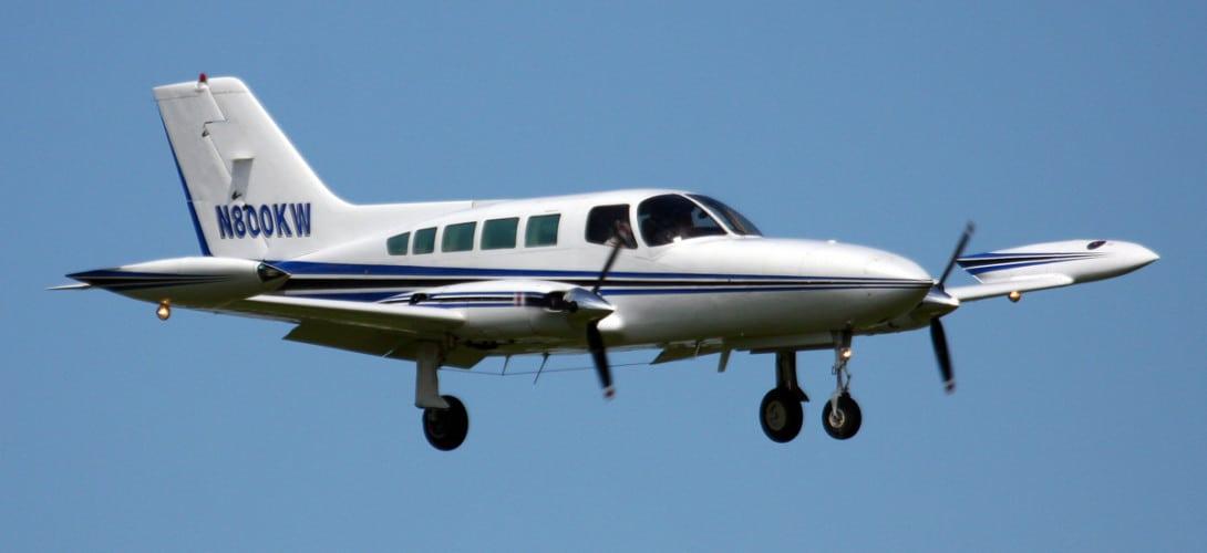 N800KW Cessna 402
