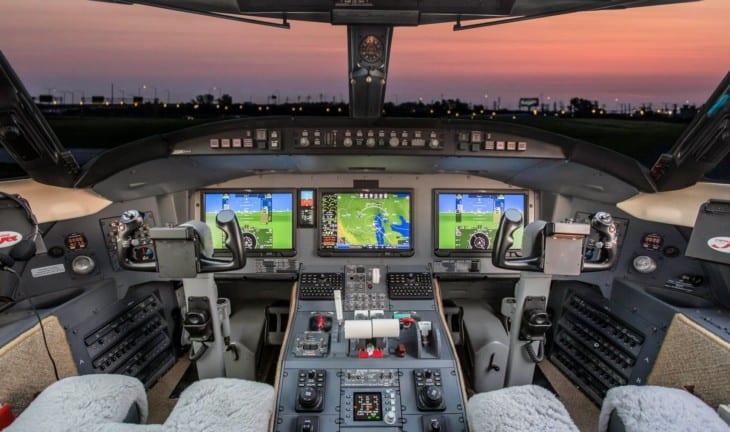 Nextant 604XT cockpit 1