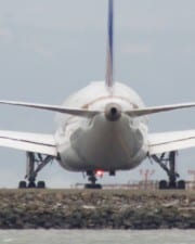 How Airplanes Generate Electricity