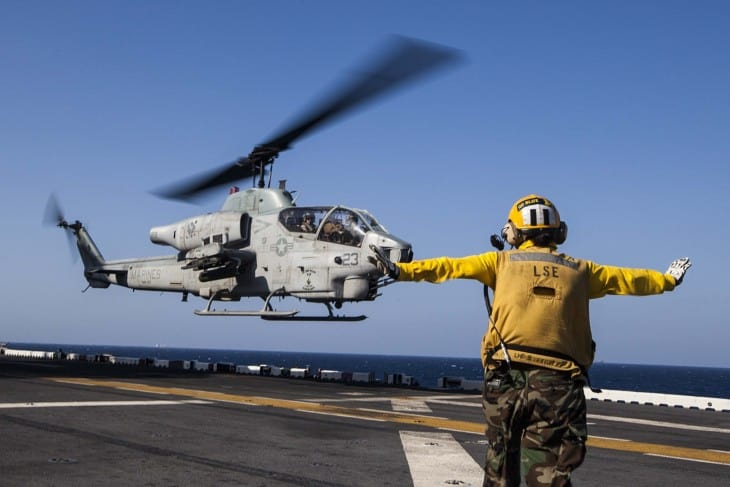 Bell AH 1W Super Cobra lands on USS Bataan