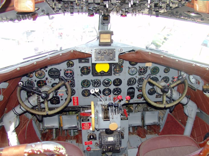 Cockpit of the aircraft DC 3 N34