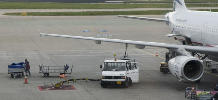 Fueling plane