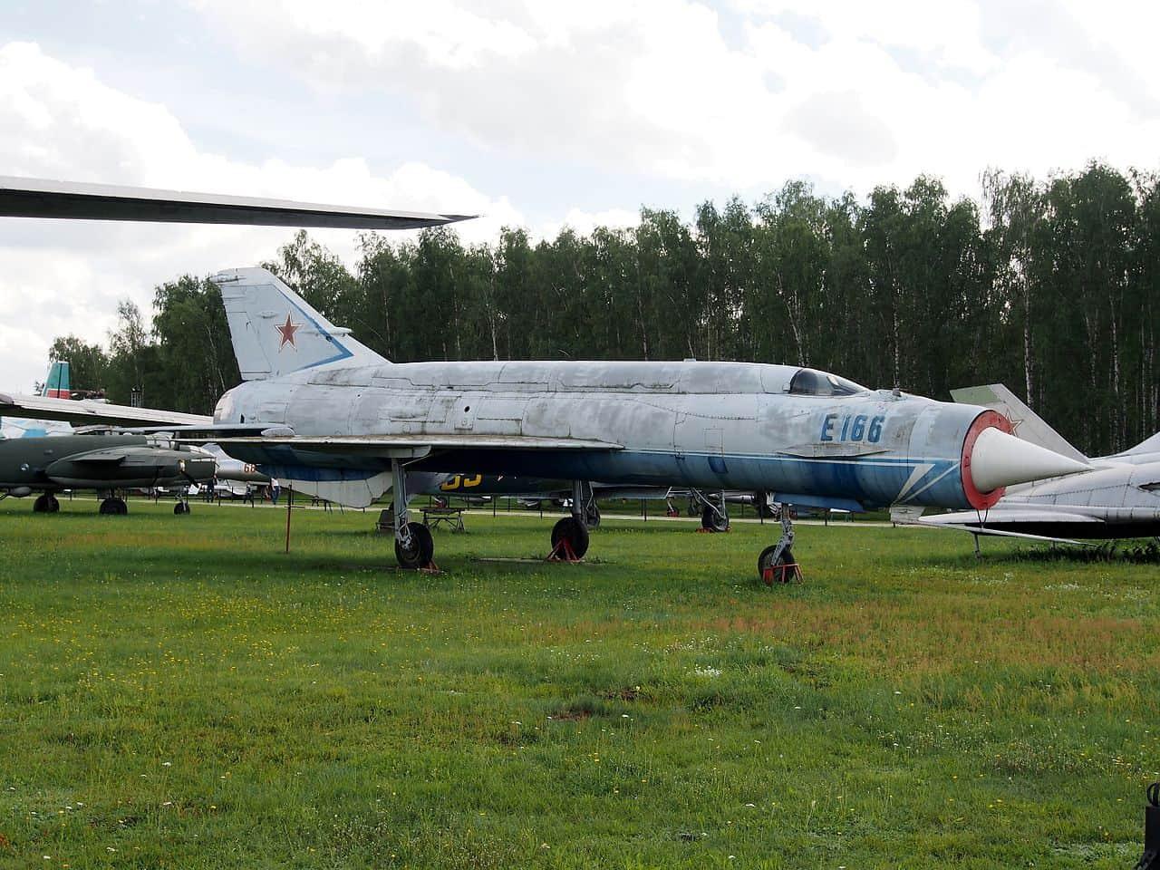 Mikoyan Ye-152