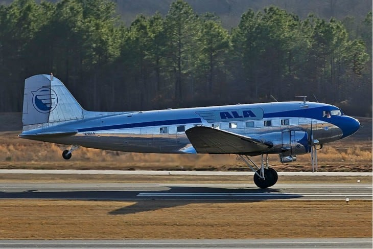 N28AA Douglas DC 3 ALA