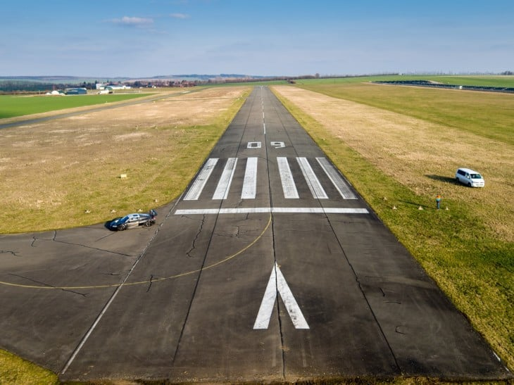 Non Precision Runway Markings