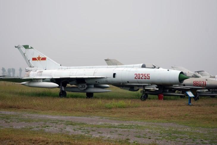 Shenyang J 8