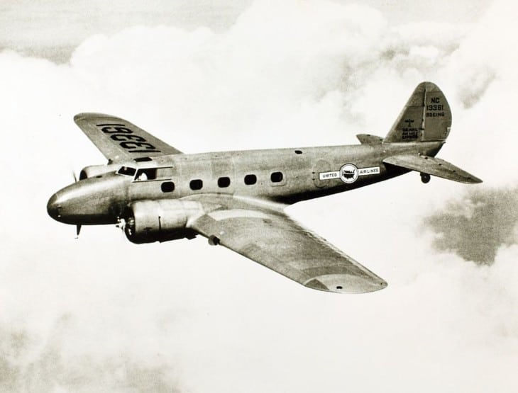 United Airlines Boeing 247