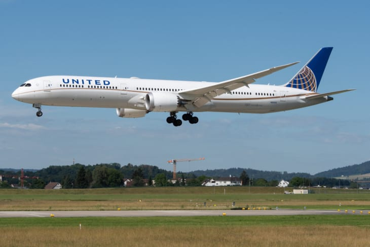 United Airlines Boeing 787 10 Dreamliner