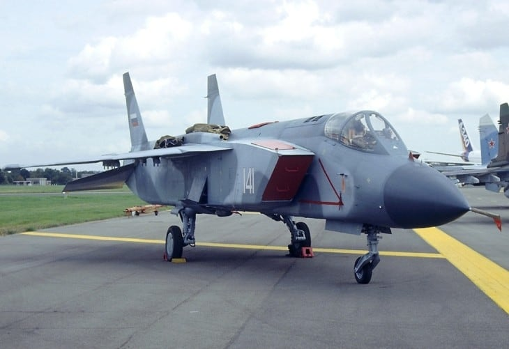 Yak 141 VTOL fighter at 1992 Farnborough Airshow.