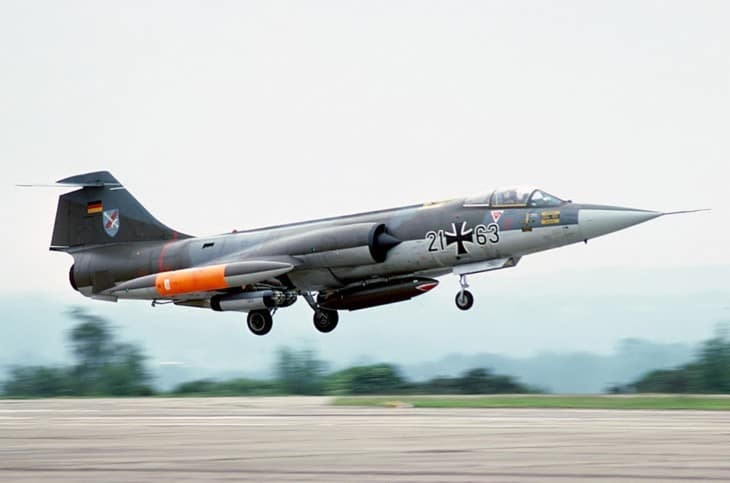 Lockheed F 104G Starfighter touchdown.