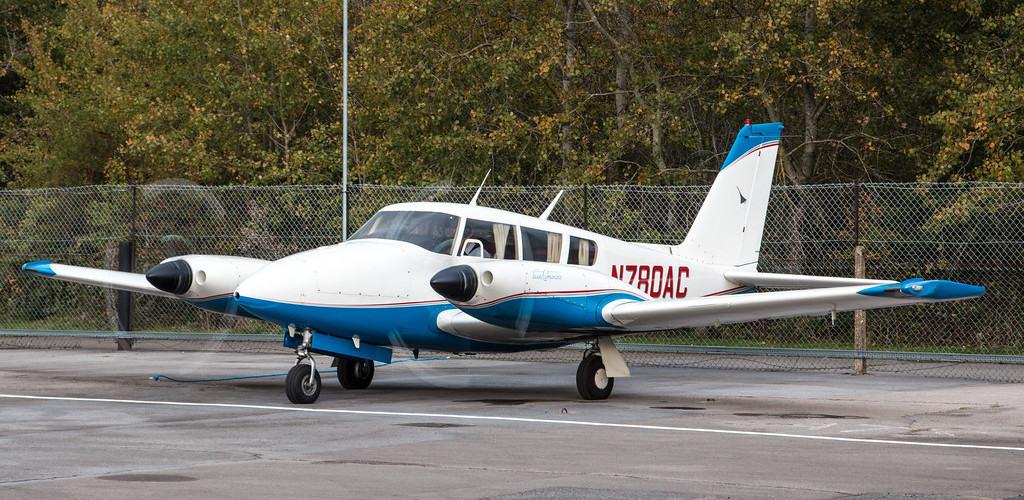 Piper PA 30 Twin Comanche N780AC